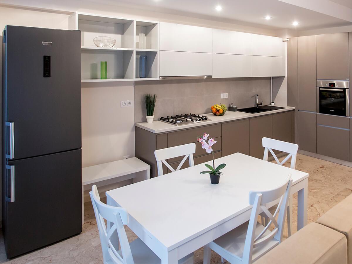 mobila bucatarie bucatarii moderne si bucatarii clasice. Black Bedroom Furniture Sets. Home Design Ideas