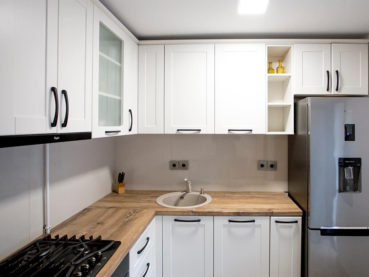 Small C Shaped Kitchen Designs Mobila Bucatarie Rustica Mobila La Comanda Mobiera Iasi
